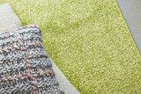 Effen vloerkleed Soraja kleur groen 030_